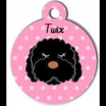 Médaille rose chien frisé noir type caniche