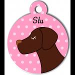 Médaille personnalisée rose pour chien marron foncé
