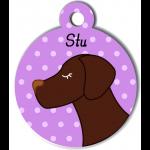 Médaille personnalisée violet pour chien marron foncé