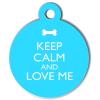 Médaille personnalisée chien Keep Calm bleu ciel ronde