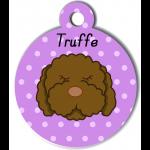 Médaille violet chien frisé marron type caniche