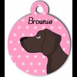 Médaille personnalisée rose chien marron foncé poils courts